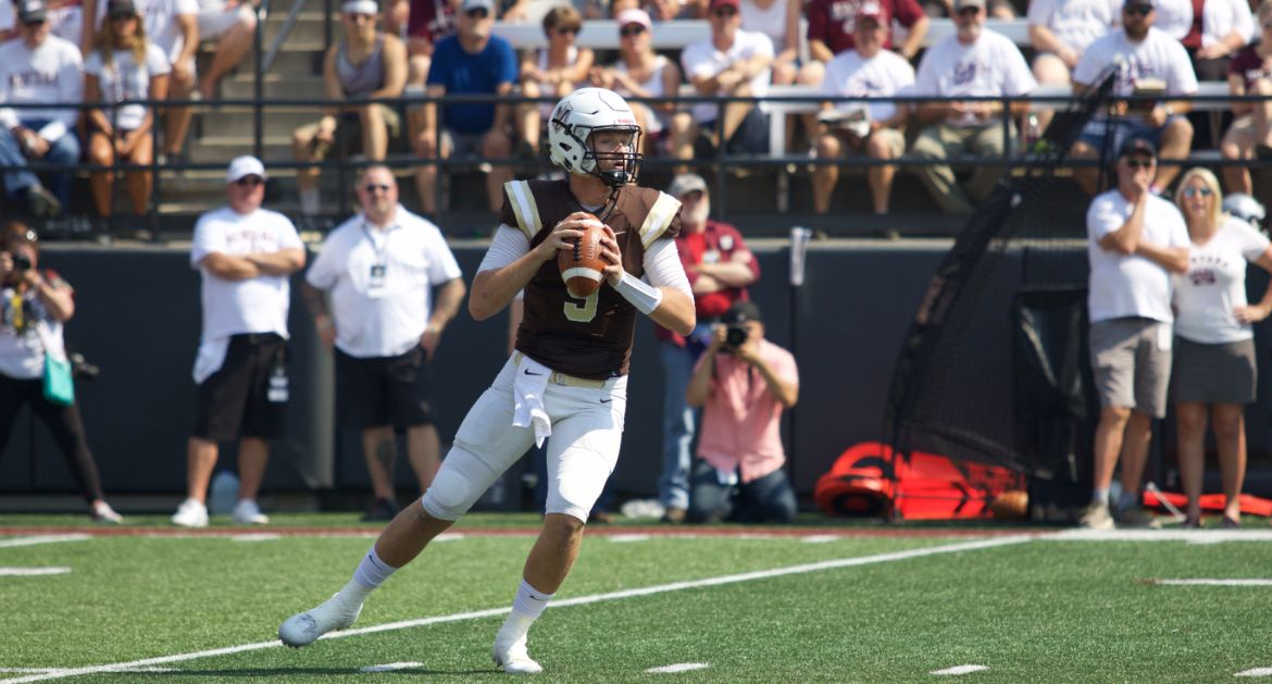 Valpo Generates 450 Yards of Offense, Gives Montana Scare in Season Opener
