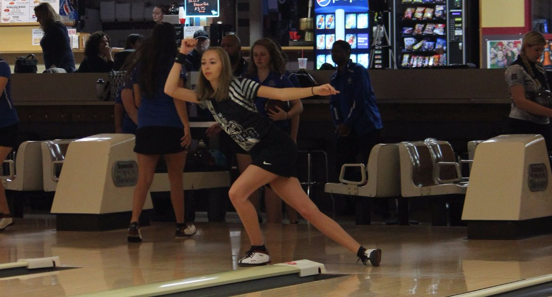 Bowling Continues Warhawk Classic Saturday