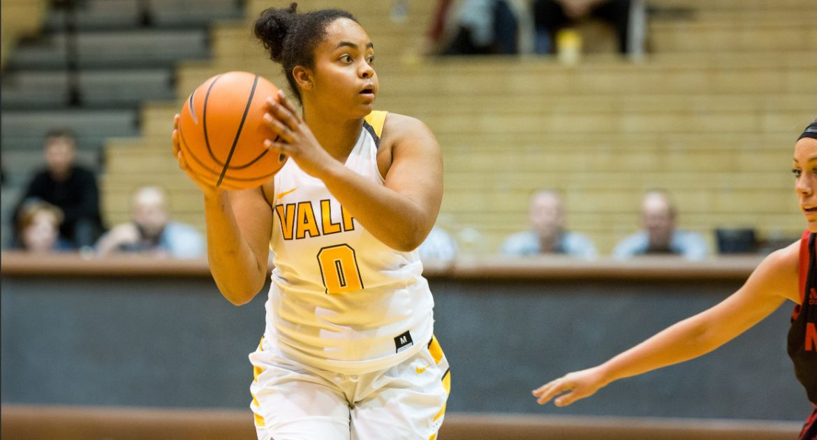 Meredith Breaks Program Record, Women's Basketball Cruises to Victory