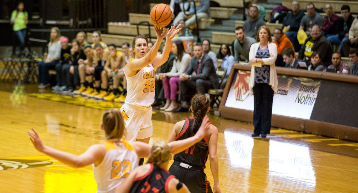 Franklin Moves to Third on Valpo All-Time Scoring List in Home State