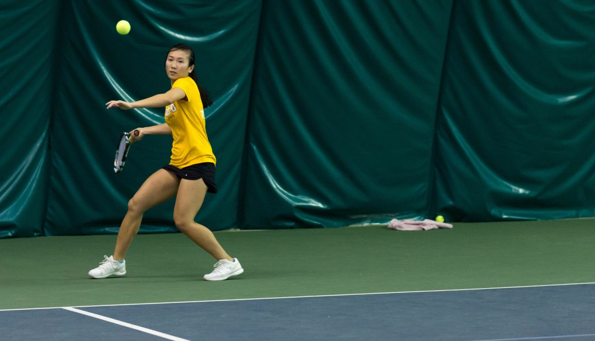 Women's Tennis Falls to Flames on Saturday