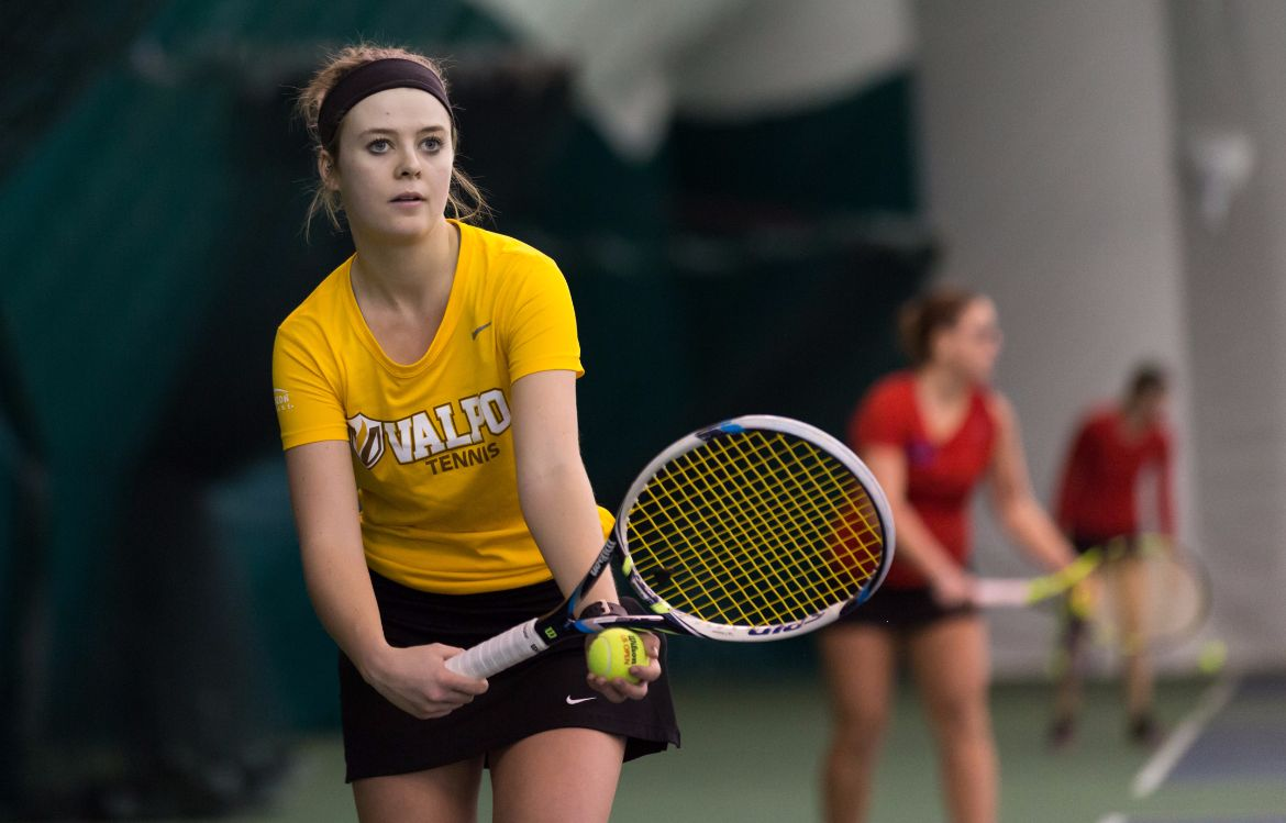 Women's Tennis Drops Match in State Capital
