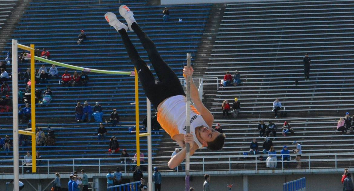 Crusaders Split Successful Day at Two Separate Invitationals