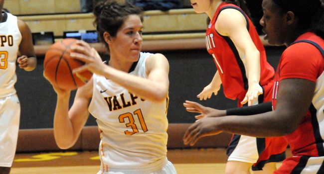 Valparaiso upends Detroit to get Senior Day win