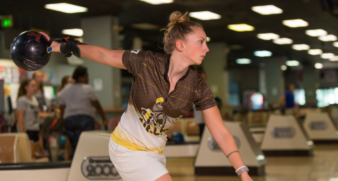 Tryniski Tops Tournament Field as Bowling Continues Action at Tulane