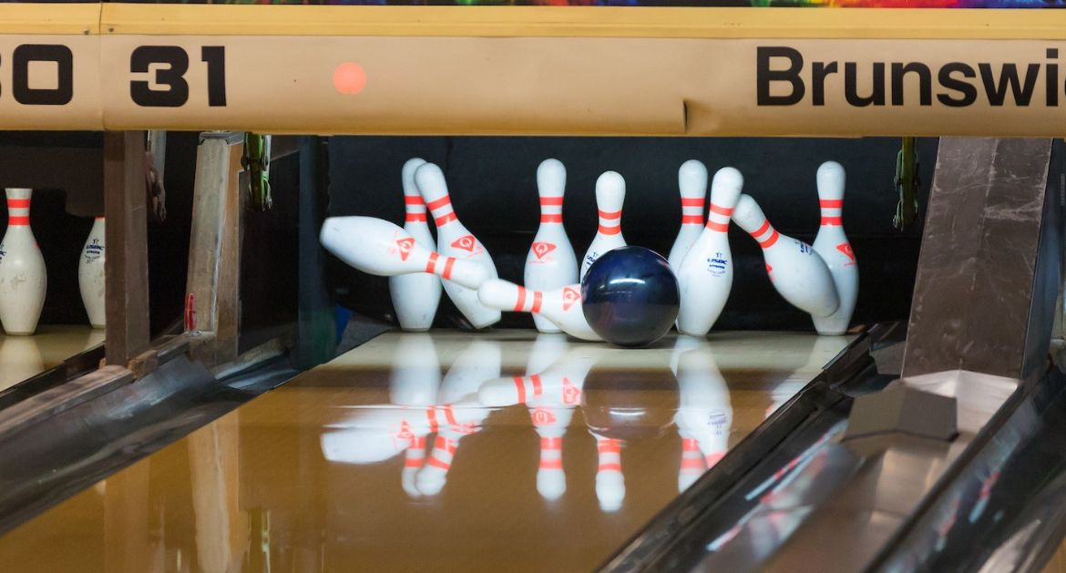 Record-Setting Performance Highlights Bowling's First Day of Action in Vegas