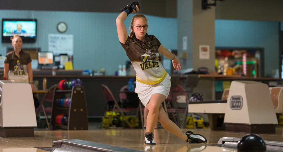 Bowling Continues Season-Opening Tournament Saturday