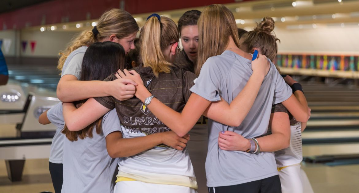 Valpo Opens Big Red Invitational Friday