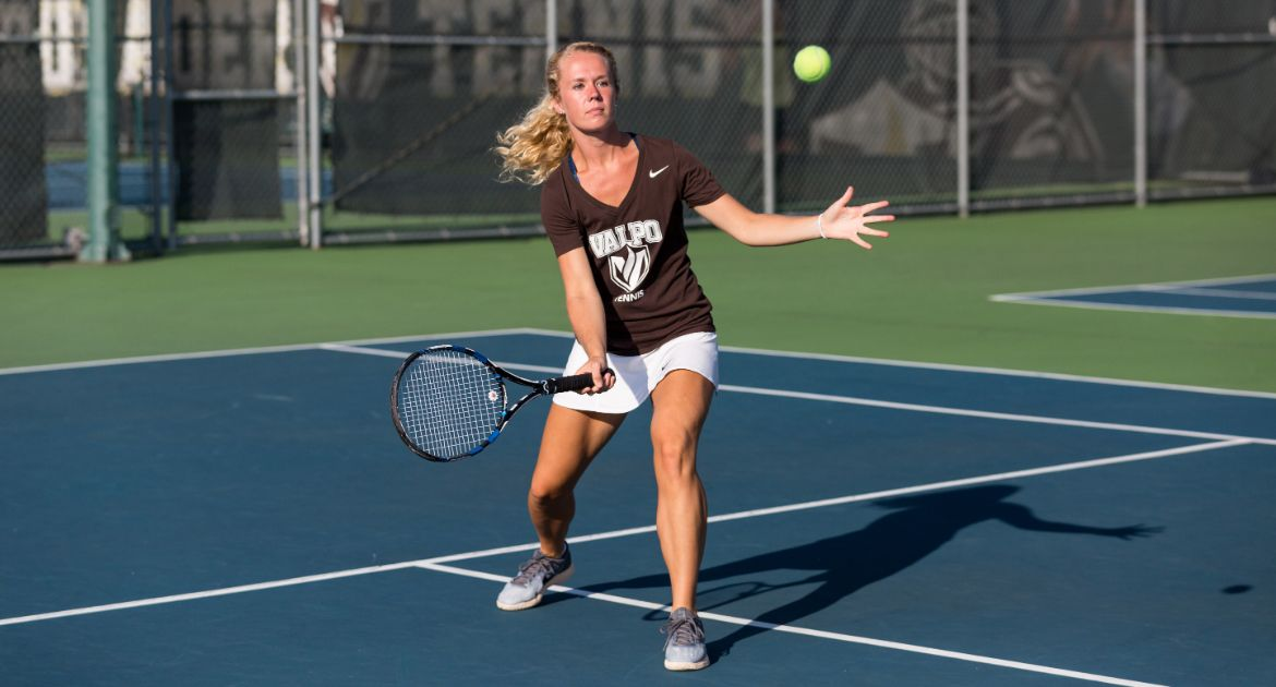 Women's Tennis Returns to Win Column on Sunday
