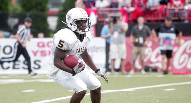 Football Closes Non-Conference Play at Duquesne Saturday