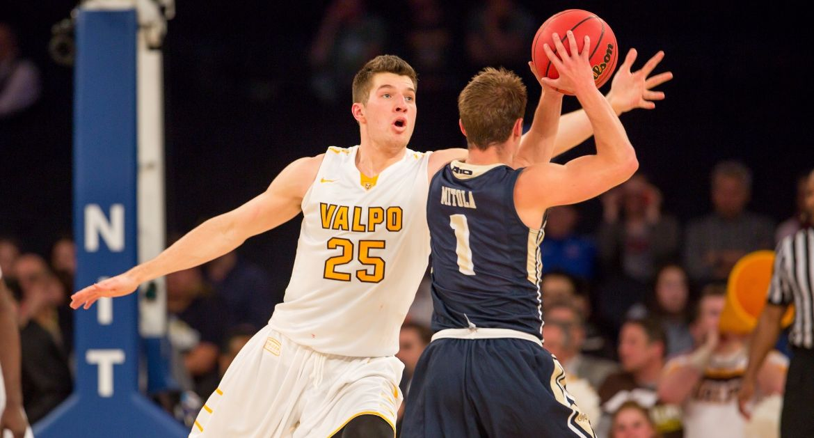 Valpo's Peters Declares For NBA Draft