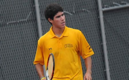 Valpo Men Suffer Loss to Monmouth to Close Spring Trip