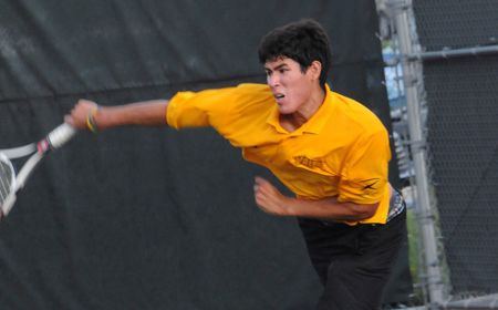 Men's Tennis Downs YSU in Home Opener