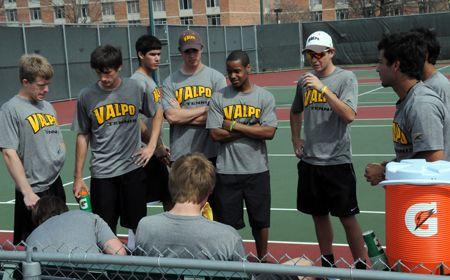 Valpo-Chicago State Tennis Postponed Tuesday