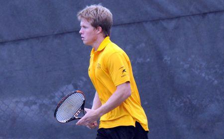 Men's Tennis Falls to UConn