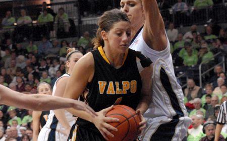Valpo Women Drop Road Game at Milwaukee