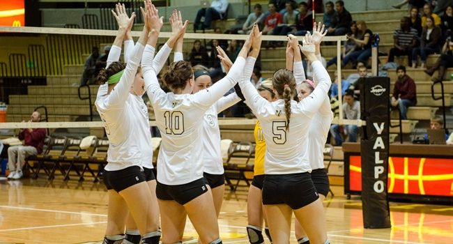 Valpo Volleyball Treks to Cleveland For HL Championship