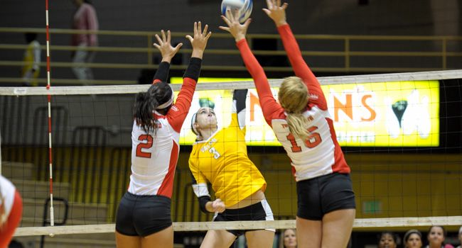 Valpo Takes Four-Set Win Over Youngstown State