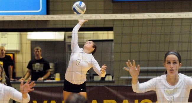 Crusader Volleyball Opens Home Slate With Win