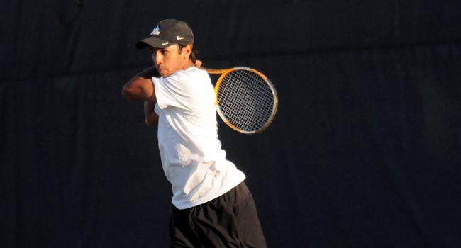 UIC Downs Valpo to End Tennis Season