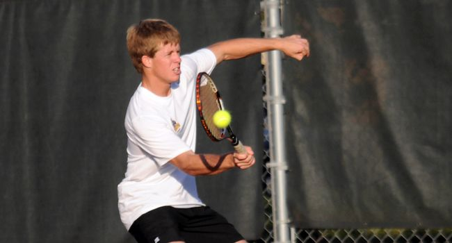 IPFW Defeats Valpo 5-2 in Tuesday Tennis Action