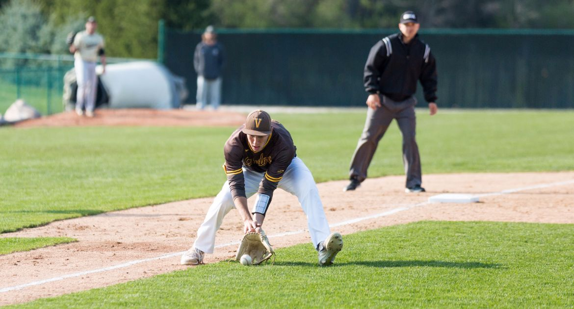 Larson's Strong Pitching Performance Helps Crusaders Down Huskies