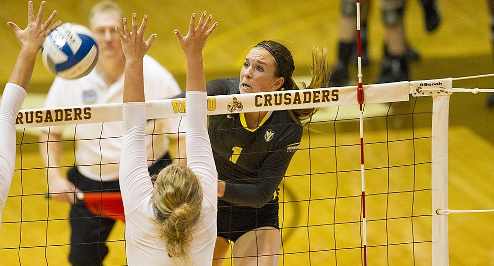 Crusaders Drop Five-Set Duel at Milwaukee