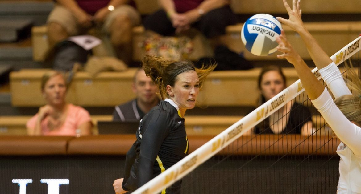 Crusaders Sweep Western Carolina For Sixth Straight Win