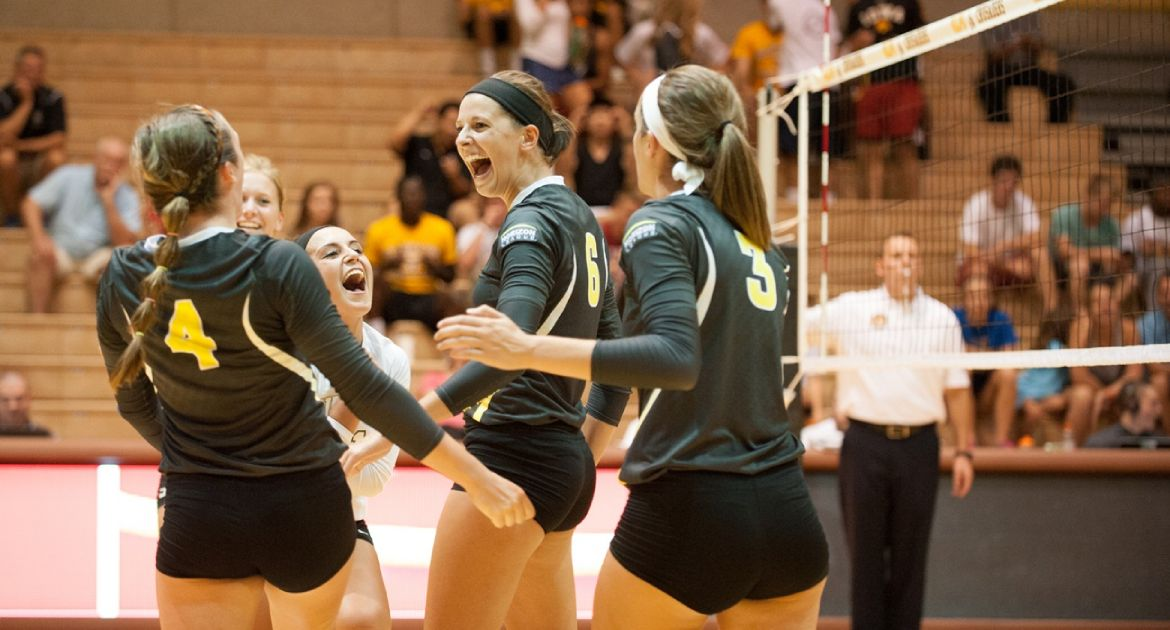 Crusaders Continue Record Start With Sweep at Toledo