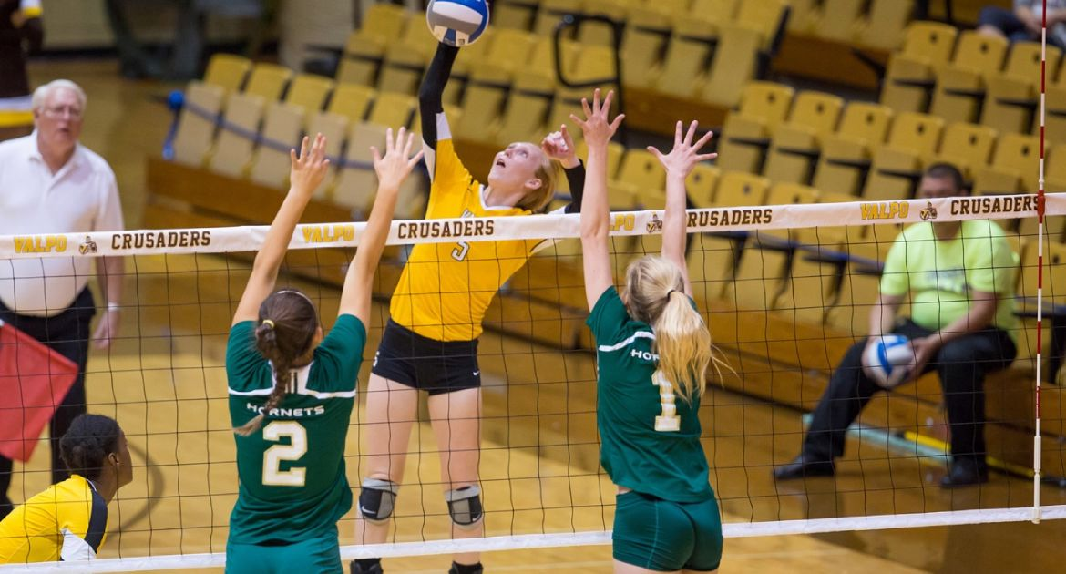 Crusaders Bounce Back, Sweep Wright State