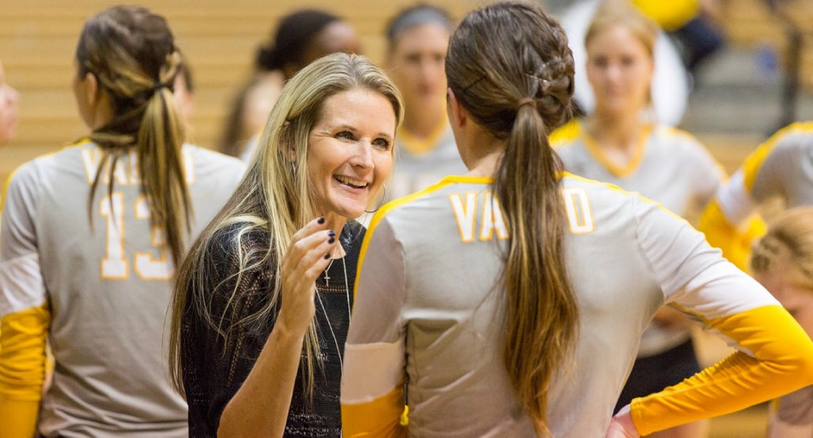 Carin Avery Joins the Valpo Coaches Show