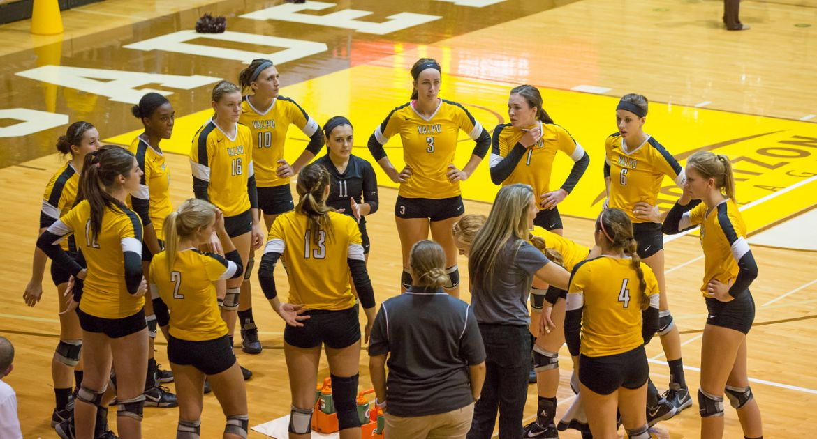 Volleyball Starts League Play in Wisconsin This Weekend