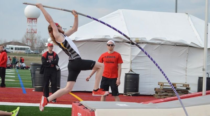 Zosso Wins Pole Vault Title at HL Outdoor Championships