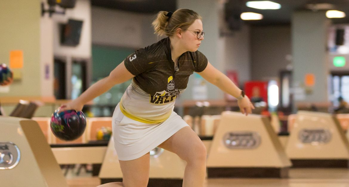 Bowling Earns Trio of Wins Saturday at Maryville