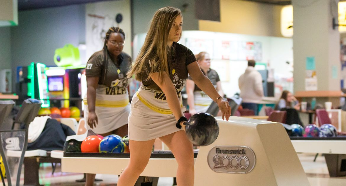 Bowling Closes Out Big Red Invitational Sunday