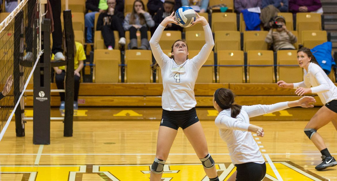 Volleyball Earns Win in Horizon League Opener