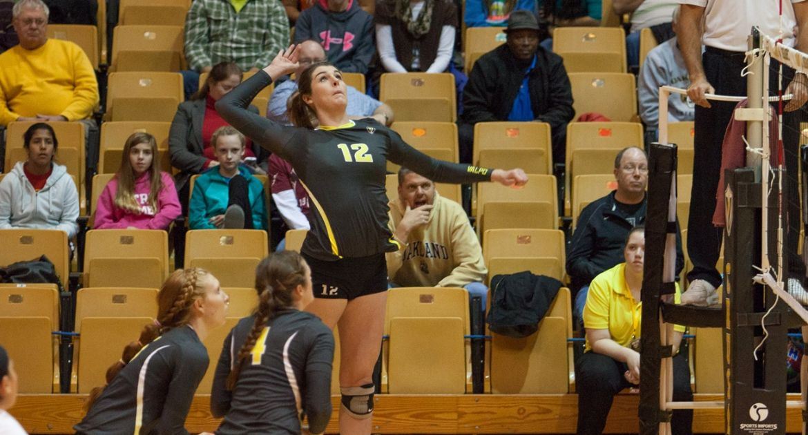 Volleyball Splits On Opening Day of Popcorn Classic