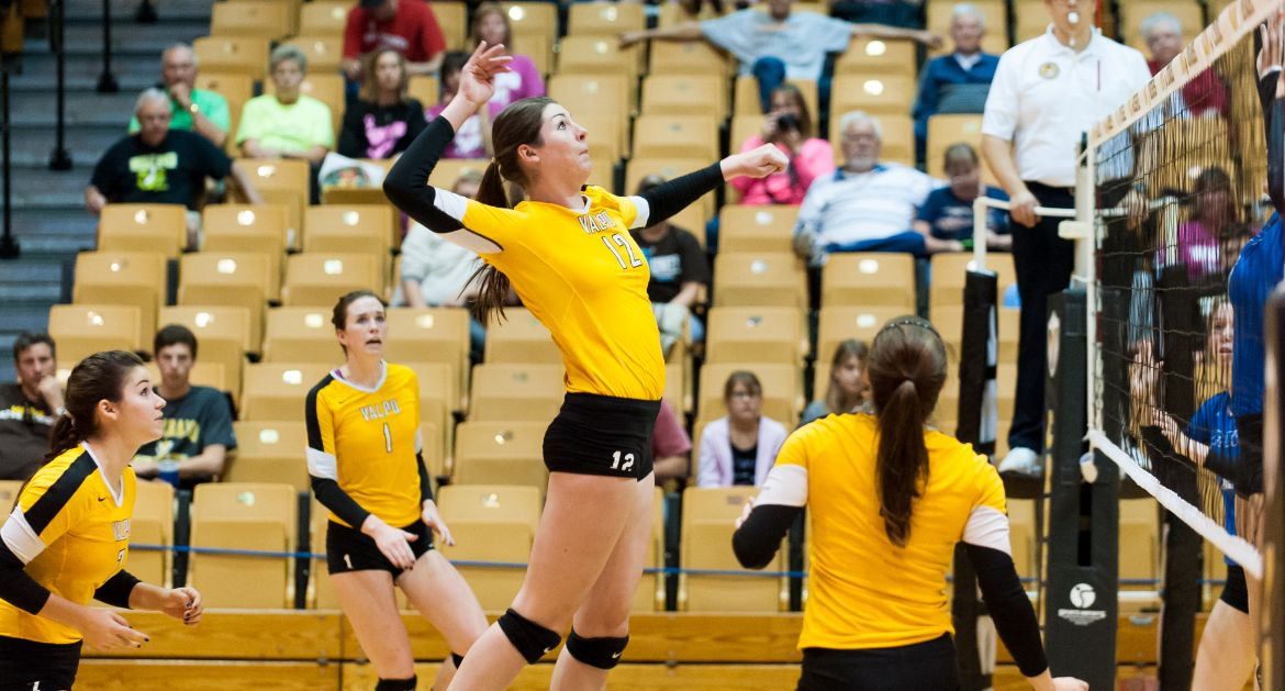 Crusaders Rally For Five-Set Win at UIC