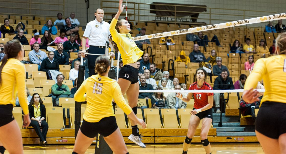 Volleyball Cruises to Win Over Penguins