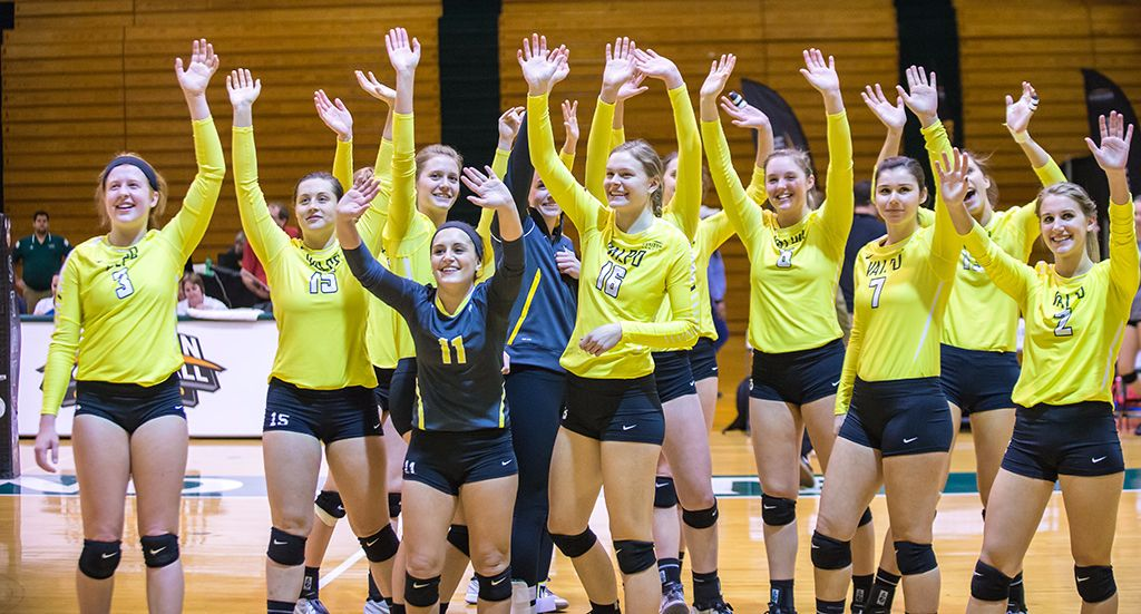Crusaders Head to HL Semifinals With Five-Set Win Over Milwaukee