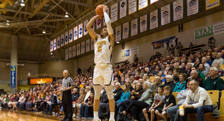 Men's Basketball Comes Up Just Short at SIU Saturday Night