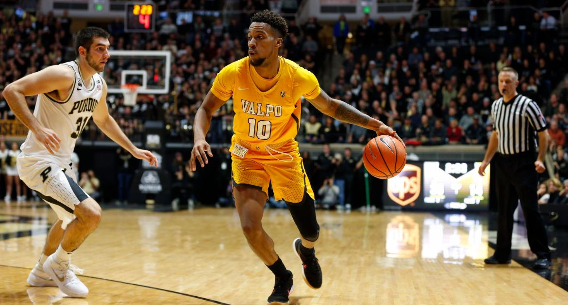 Men's Basketball Falls For First Time This Year at Purdue