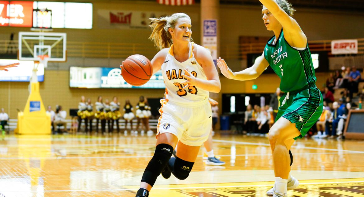 Four Valpo Players Reach Double Figures on Wednesday at Illinois
