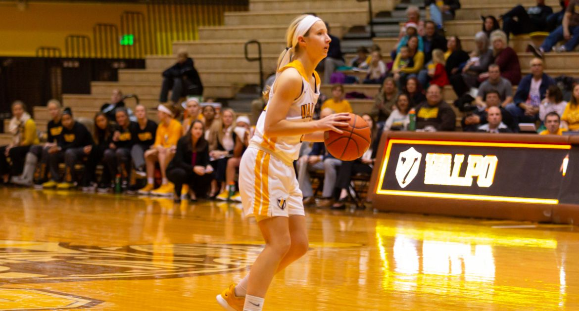 Valpo Equals School Record for Made 3s on Friday