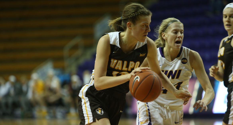 Women's Basketball to Battle Drake on Sunday