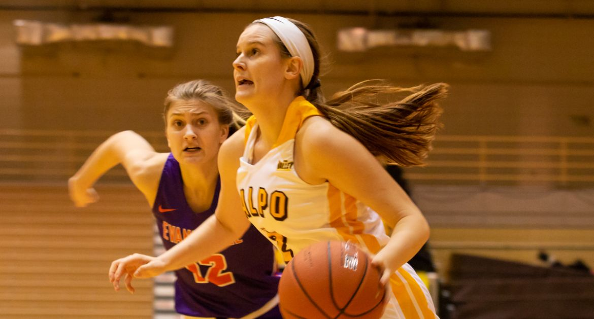 Valpo Cruises to Victory Behind Complete Team Effort