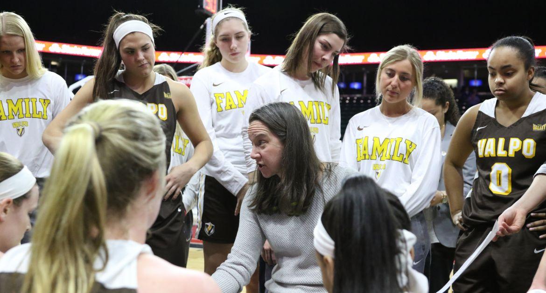 White, MacKay Zacker Join Valpo Women's Basketball Program
