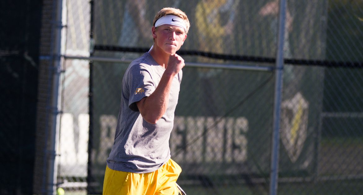 Pecyna Leads Valpo on Second Day in West Lafayette