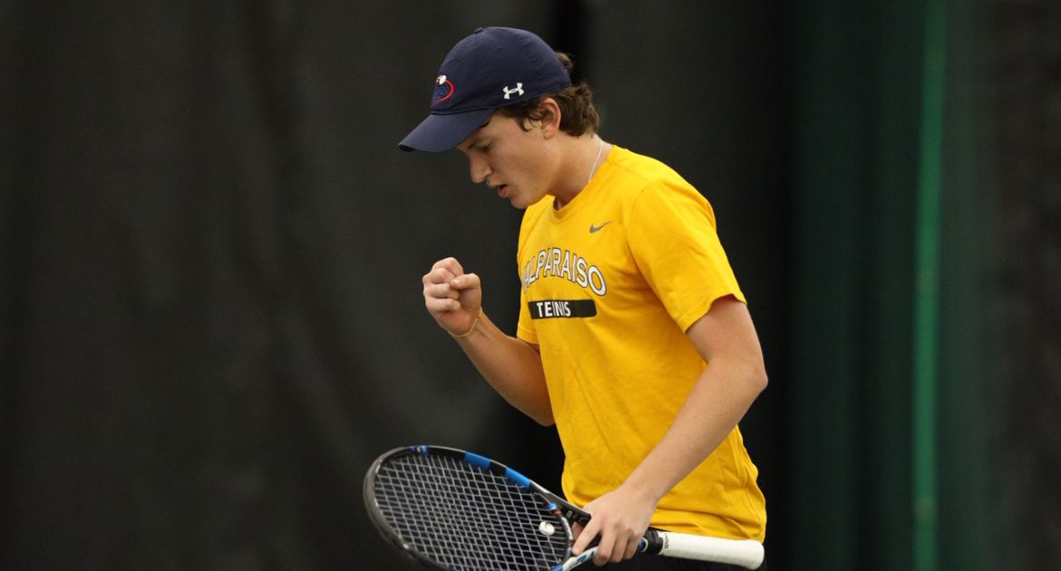 Men's Tennis Tops Green Bay on Friday