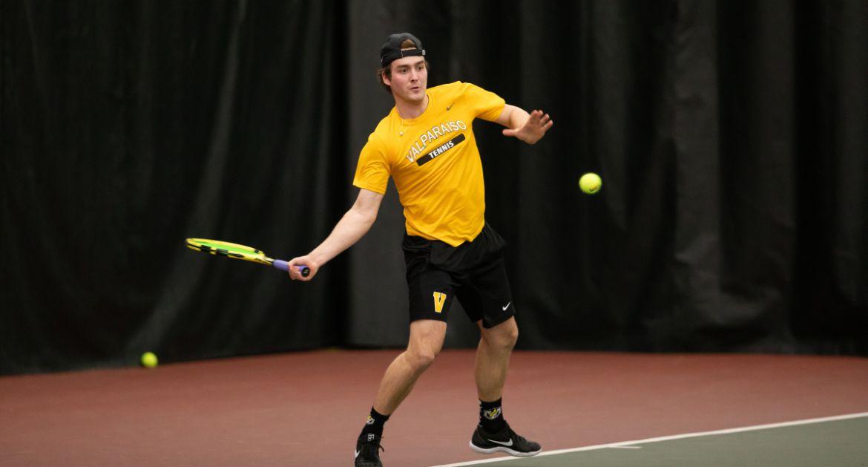 Men's Tennis Enjoys Summit League Victory